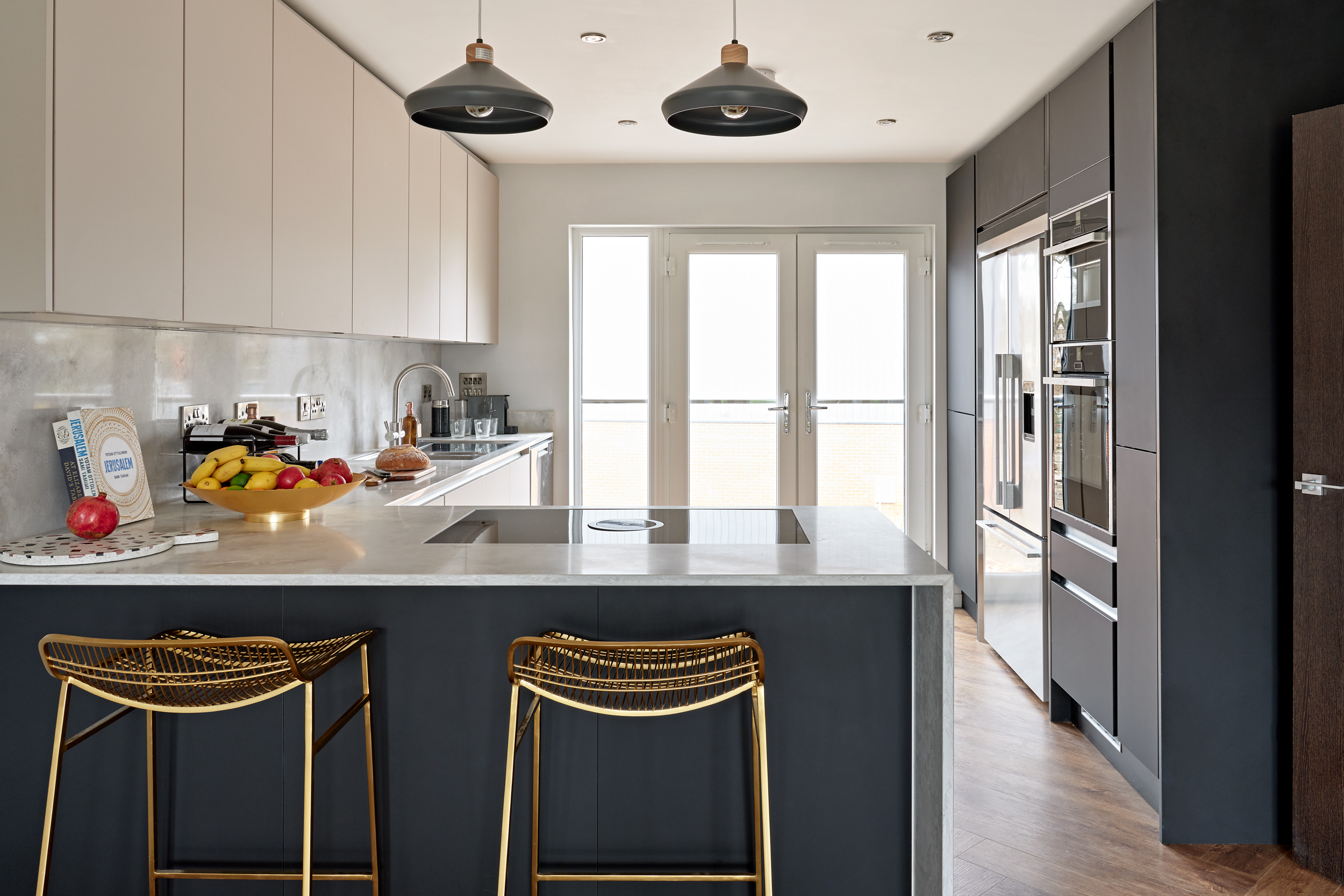 Open plan kitchen at Lime Grove, Gloucester by MELT Homes