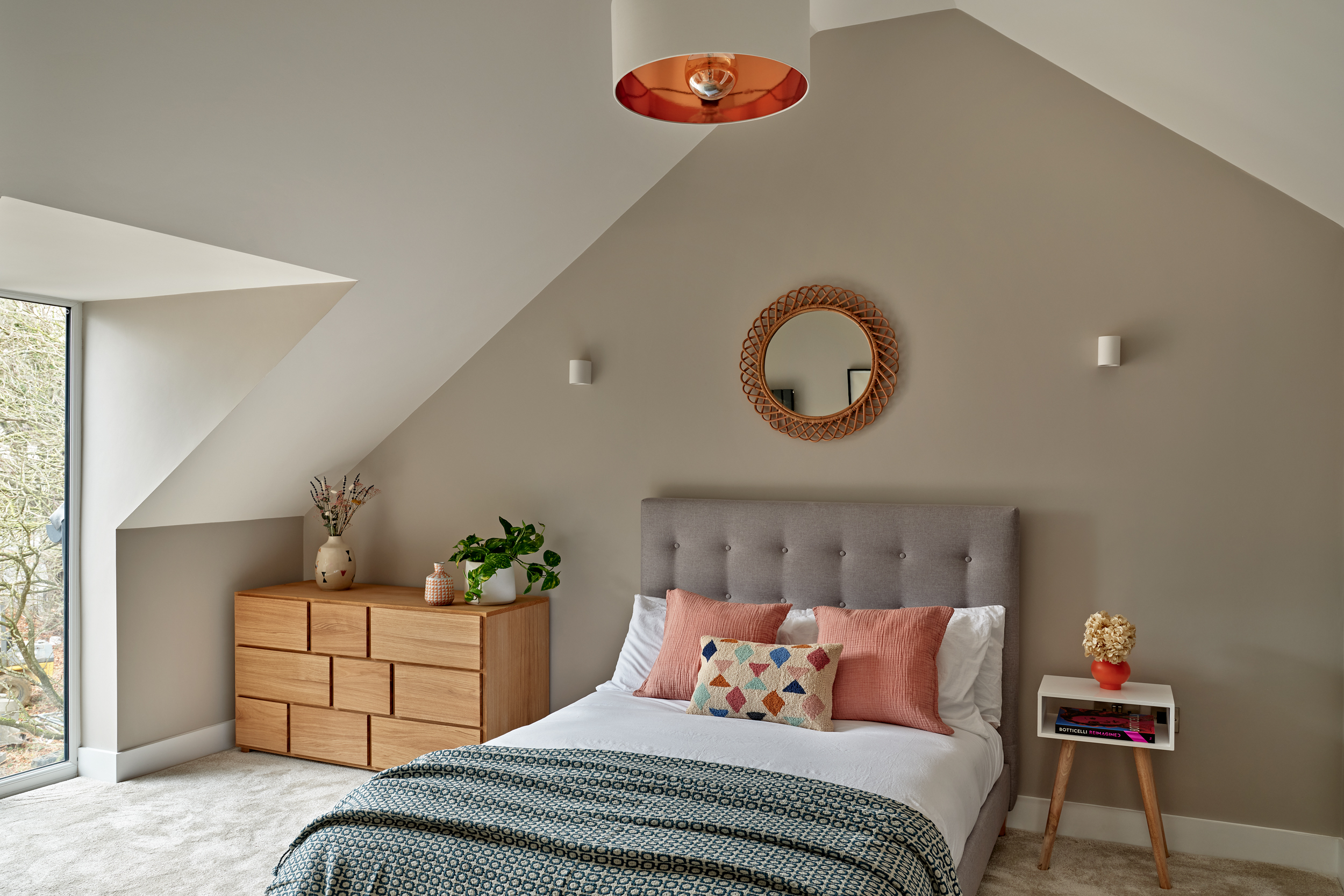Bedroom with a vaulted ceiling at Lime Grove, Gloucester by MELT Homes