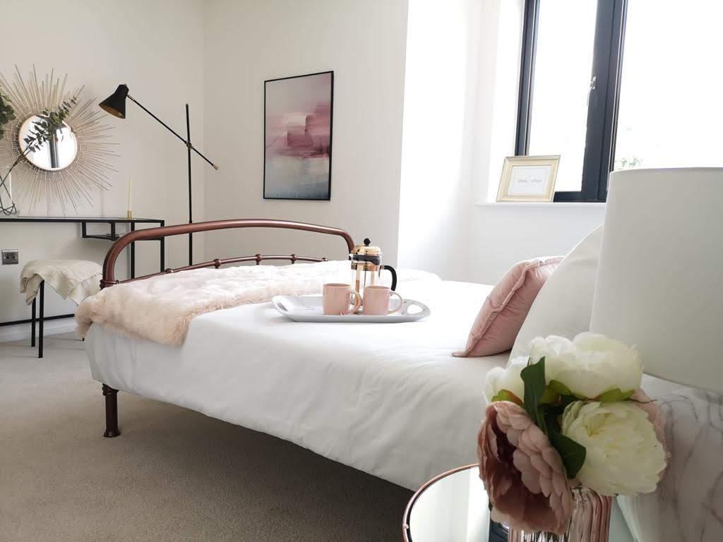 ONE62 master bedroom